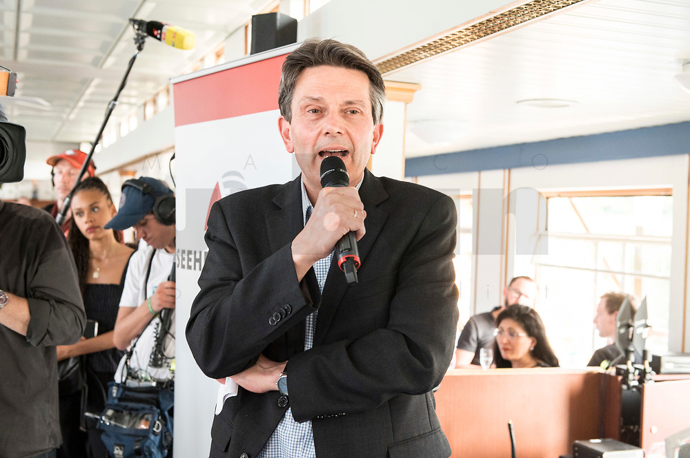 04 JUN 2019, BERLIN/GERMANY:<br /> Rolf Muetzenich, SPD, kom. Fraktionsvorsitzender der SPD-Bundestagsfraktion, vor Beginn der Spargelfahrt des Seeheimer Kreises der SPD, Anleger Wannsee<br /> IMAGE: 20190604-01-181<br /> KEYWORDS: Rolf Mützenich