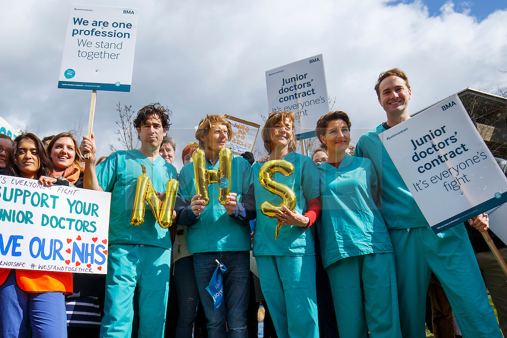 © Licensed to London News Pictures. 06/04/2016. London, UK. Cast of 'Green Wing' sitcom Stephen Mangan, Julian Rhind-Tutt, Pippa Haywood, Tamsin Greig and Oliver Chris join junior doctors of Northwick Park Hospital in north London at their picket line as junior doctors in England start the forth 48-hours strike in a dispute over pay, working hours and patient safety on Wednesday, 6 April 2016. Photo credit: Tolga Akmen/LNP