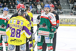 04.01.2015, Curt Frenzel Stadion, Augsburg, GER, DEL, Augsburger Panther vs Krefeld Pinguine, 35. Runde, im Bild l-r: Rangelei, Martin Schymainski #88 (Krefeld Pinguine) und Andy Reiss #96 (Augsburger Panther), Foto: Eibner // during Germans DEL Icehockey League 35th round match between Augsburger Panther and Krefeld Pinguine at the Curt Frenzel Stadion in Augsburg, Germany on 2015/01/04. EXPA Pictures © 2015, PhotoCredit: EXPA/ Eibner-Pressefoto/ Kolbert<br /> <br /> *****ATTENTION - OUT of GER*****