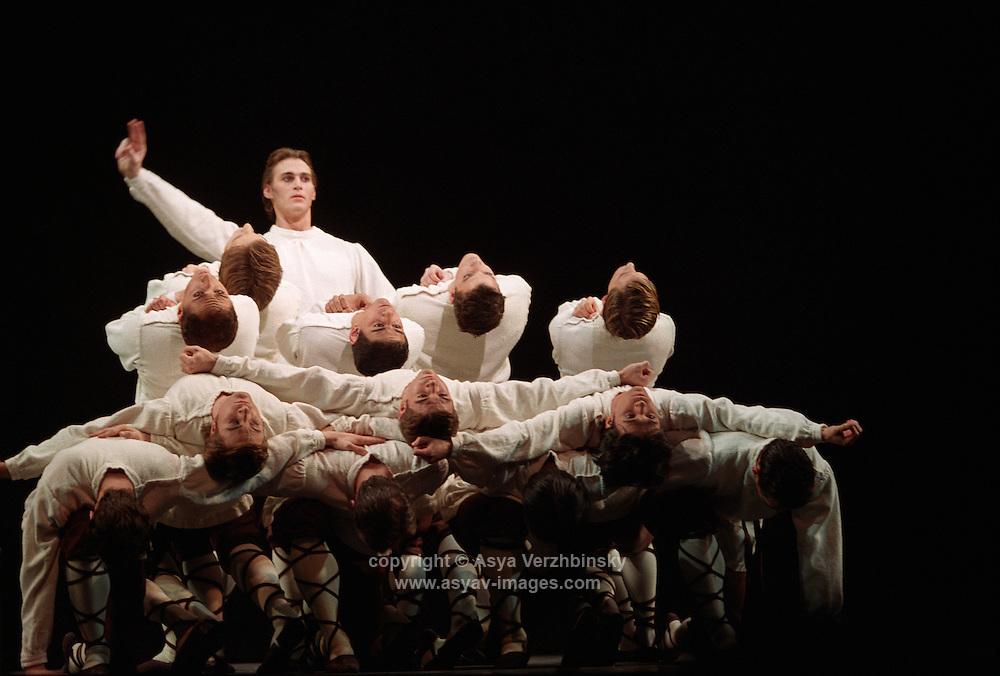 Royal Ballet Sacre Du Printemps