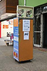 August 2, 2017 - Geladeira de livros é um projeto voluntário que possibilita a troca e distribuição de livros. As geladeiras por enquanto estão localizadas em 4 distritos, mas o projeto visa ter várias geladeiras de livros em outros bairros da cidade. (Credit Image: © Omar De Oliveira/Fotoarena via ZUMA Press)
