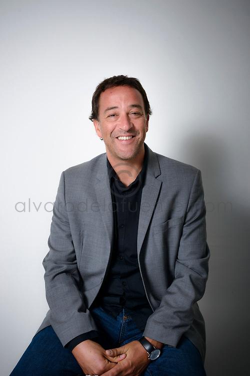 Pablo Redondo, Arquitecto de la Universidad Cat&oacute;lica de Valparaiso y Magister en Innovaci&oacute;n de la Universidad Adolfo Ib&aacute;&ntilde;ez. Socio Director en Oarquitectos.<br /> Con 20 a&ntilde;os de experiencia, trabaj&oacute; Nueva York en las oficinas de Ted Moudis Associates y Montroy+Andersen+De Marco. Durante su trayectoria ha desarrollado m&aacute;s de 100 proyectos en las &aacute;reas de interiorismo corporativo, comercial, residencial, salud, restaurantes y variados desarrollos inmobiliarios. A lo largo de  su carrera ha expuesto en Bienales de Arquitectura y Dise&ntilde;o en Chile, siendo publicado por medios nacionales y extranjeros. Recientemente fue portada del Libro Best of Offices, editado en la ciudad de Nueva York, por la editorial Interior Design.<br /> Santiago de Chile, 19-03-2018 (&copy;Alvaro de la Fuente)