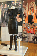 Beatrix opent tentoonstelling M&aacute;xima, 10 jaar in Nederland.//<br /> Queen Beatrix opens the exibition Maxima 10 years in the Netherlands<br /> <br /> Op de foto: