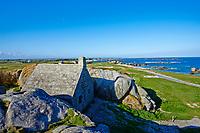 France, Finistère (29), Pays Pagan, Kerlouan, plage de Ménéham, le corps de garde, ancien poste douanier XVIIe siècle // France, Briitany, Finistere, Kerlouan, Meneham beach, old customs house
