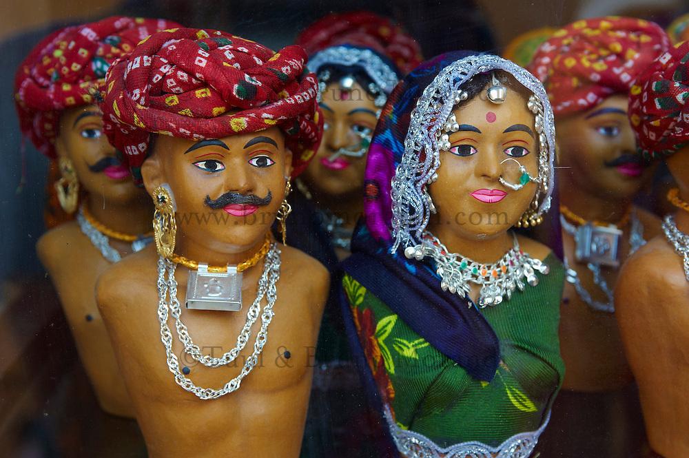 Inde, Rajasthan, Jaipur la ville rose, boutique d'artisanat et de souvenir. // India, rajasthan, Jaipur the Pink City, handicraft and souvenir shop.