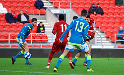 ST HELENS, ENGLAND - Monday, December 10, 2018: Liverpool's Curtis Jones scores the fourth goal during the UEFA Youth League Group C match between Liverpool FC and SSC Napoli at Langtree Park. (Pic by David Rawcliffe/Propaganda)