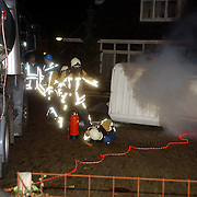 NLD/Huizen/20051118 - Oefening brandweer Huizen, gevaarlijke stoffen, ongeval Doolhofje Huizen