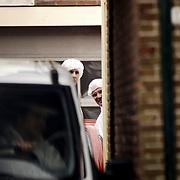 Schietpartij Hilvertsweg 17 Hilversum, KLPD politieagent Frans Nijhoff pleegt zelfmoord na doodschieten vrouw en kinderen.technische recherche, rechercheur, drama, witte overalls