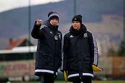 ZENICA, BOSNIA AND HERZEGOVINA - Monday, November 27, 2017: Wales' manager Jayne Ludlow and assistant Lauren Smith during a training session ahead of the FIFA Women's World Cup 2019 Qualifying Round Group 1 match against Bosnia and Herzegovina at the FF BH Football Training Centre. (Pic by David Rawcliffe/Propaganda)