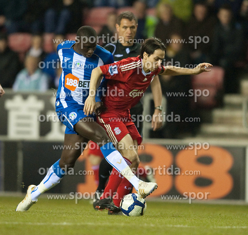 08.03.2010, DW Stadium, Wigan, ENG, PL, Wigan Athletic vs Liverpool FC, im Bild Liverpool's Yossi Benayoun and Wigan Athletic's Mohamed Diame, EXPA Pictures © 2010, PhotoCredit: EXPA/ Propaganda/ D. Rawcliffe / for Slovenia SPORTIDA PHOTO AGENCY.