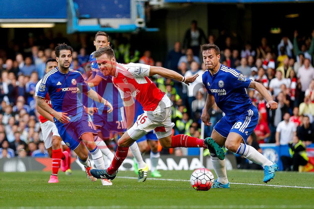 Aaron Ramsey of Arsenal - Mandatory byline: Rogan Thomson/JMP - 07966 386802 - 19/09/2015 - FOOTBALL - Stamford Bridge Stadium - London, England - Chelsea v Arsenal - Barclays Premier League.