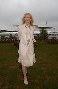 Cate Blanchett. Cartier International Day at Guards Polo Club, Windsor Great Park. July 24, 2005. ONE TIME USE ONLY - DO NOT ARCHIVE  © Copyright Photograph by Dafydd Jones 66 Stockwell Park Rd. London SW9 0DA Tel 020 7733 0108 www.dafjones.com