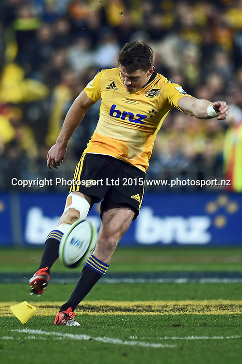 Beauden Barrett kicks during the Super Rugby Final match between the Hurricanes and Highlanders at Westpac Stadium, Wellington, New Zealand. 4 July 2015. Copyright Photo: Andrew Cornaga / www.Photosport.nz