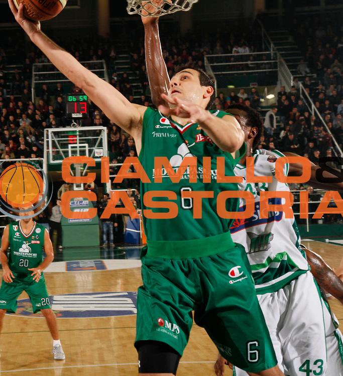 DESCRIZIONE : Avellino Lega A 2011-12 Sidigas Avellino Montepaschi Siena<br /> GIOCATORE : Nikolaos Zizis<br /> SQUADRA : Montepaschi Siena <br /> EVENTO : Campionato Lega A 2011-2012<br /> GARA : Sidigas Avellino Montepaschi Siena<br /> DATA : 11/12/2011<br /> CATEGORIA : tiro<br /> SPORT : Pallacanestro<br /> AUTORE : Agenzia Ciamillo-Castoria/A.De Lise<br /> Galleria : Lega Basket A 2011-2012<br /> Fotonotizia : Avellino Lega A 2011-12 Sidigas Avellino Montepaschi Siena<br /> Predefinita :
