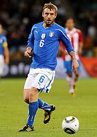 Fotball<br /> VM 2010<br /> 14.06.2010<br /> Italia v Paraguay<br /> Foto: Insidefoto/Digitalsport<br /> NORWAY ONLY<br /> <br /> Daniele De Rossi (Italia)