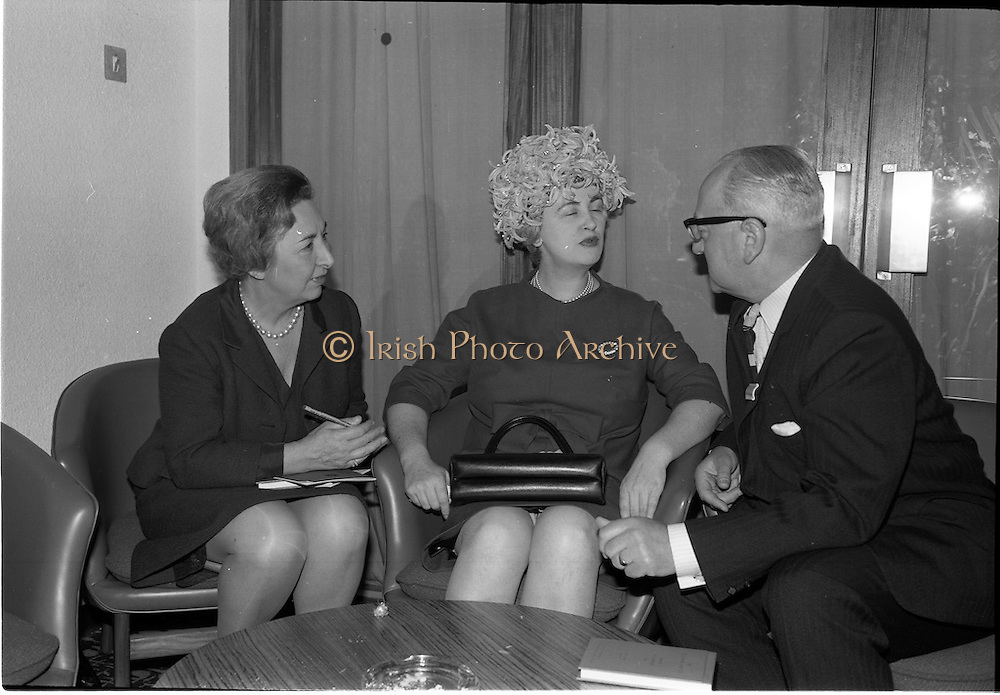 05/06/1964<br /> 06/05/1964<br /> 05 June 1964<br /> Clothing Institute Conference at Jury's Hotel, Dublin. Picture shows (l-r):Miss Curry; Miss (Sybil?) Conolly and Mr Luman