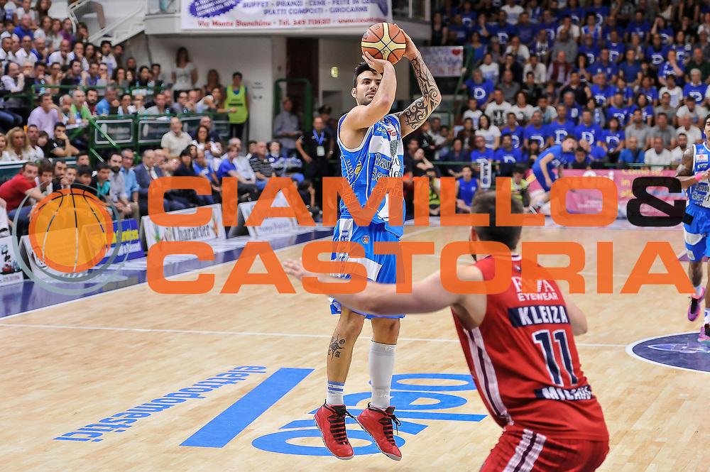 DESCRIZIONE : Campionato 2014/15 Dinamo Banco di Sardegna Sassari - Olimpia EA7 Emporio Armani Milano Playoff Semifinale Gara3<br /> GIOCATORE : Brian Sacchetti<br /> CATEGORIA : Tiro Tre Punti Three Point<br /> SQUADRA : Dinamo Banco di Sardegna Sassari<br /> EVENTO : LegaBasket Serie A Beko 2014/2015 Playoff Semifinale Gara3<br /> GARA : Dinamo Banco di Sardegna Sassari - Olimpia EA7 Emporio Armani Milano Gara4<br /> DATA : 02/06/2015<br /> SPORT : Pallacanestro <br /> AUTORE : Agenzia Ciamillo-Castoria/L.Canu