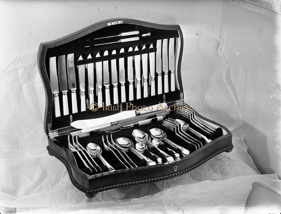 4/10/1952<br /> 10/4/1952<br /> 4 October 1952<br /> <br />  Domas Ltd. Newbridge Cutlery