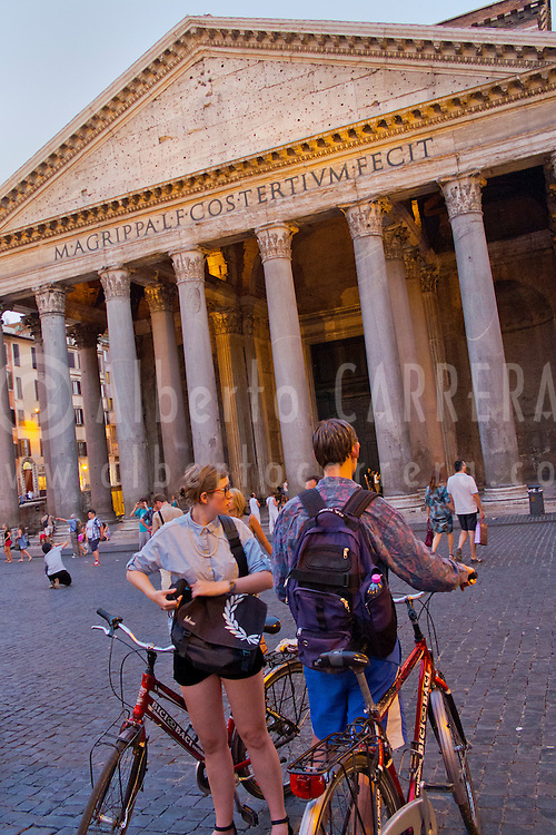 Alberto Carrera, Agrippa's Pantheon, Piazza della Rotonda, Santa María Rotonda, Rome, Lazio, Italy, Europe