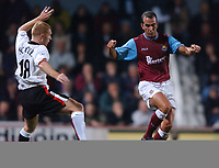 Paolo Di Canio (West Ham) Paul Scholes (Manchester United) West Ham United v Manchester United, FA Premiership, 17/11/2002. Credit: Colorsport / Matthew Impey DIGITAL FILE ONLY
