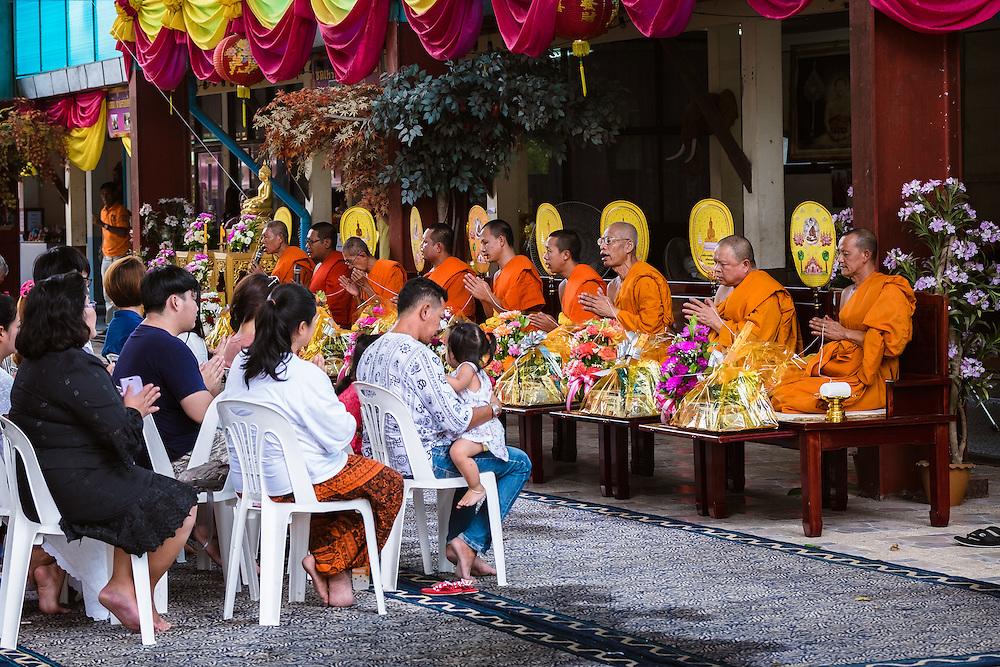 Sarika, Nakhon Nayok, Thailand. 5th Sep, 2016. Thai Buddhist Monks pray to bless the 7th Ganesha Festival, at Shri Utthayan Ganesha Temple in Sarika, Nakhon Nayok. PHOTO BY LEE CRAKER