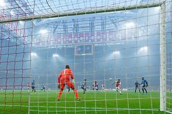 27-10-2019 NED: Ajax - Feyenoord, Amsterdam<br /> Eredivisie Round 11, Ajax win 4-0 / Nicolás Tagliafico #31 of Ajax score the 2-0. Kenneth Vermeer #1 of Feyenoord