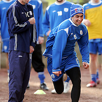 St Johnstone Training...26.01.07<br />Owen Coyle giving stick to Allan McManus during at sprint race<br />see story by Gordon Bannerman Tel: 01738 553978 or 07729 865788<br />Picture by Graeme Hart.<br />Copyright Perthshire Picture Agency<br />Tel: 01738 623350  Mobile: 07990 594431