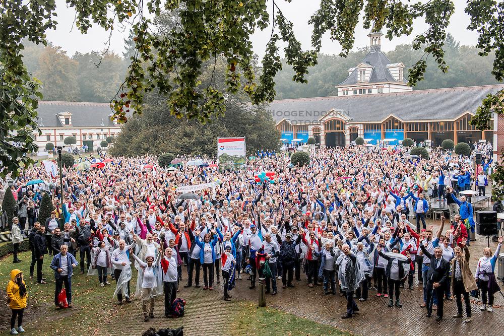 14-10-2016 NED: Voorbereiding Finale Nationale Diabetes Challenge, Apeldoorn<br /> Ruim 3100 mensen gaan morgen de finale van de NDC lopen.