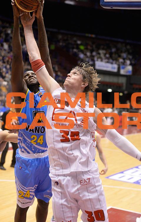 DESCRIZIONE : Milano campionato serie A 2013/14 EA7 Olimpia Milano Vanoli Cremona <br /> GIOCATORE : C.J. Wallace<br /> CATEGORIA : rimbalzo<br /> SQUADRA : EA7 Olimpia Milano<br /> EVENTO : Campionato serie A 2013/14<br /> GARA : EA7 Olimpia Milano Vanoli Cremona<br /> DATA : 26/12/2013<br /> SPORT : Pallacanestro <br /> AUTORE : Agenzia Ciamillo-Castoria/R. Morgano<br /> Galleria : Lega Basket A 2013-2014  <br /> Fotonotizia : Milano campionato serie A 2013/14 EA7 Olimpia Milano Vanoli Cremona<br /> Predefinita :