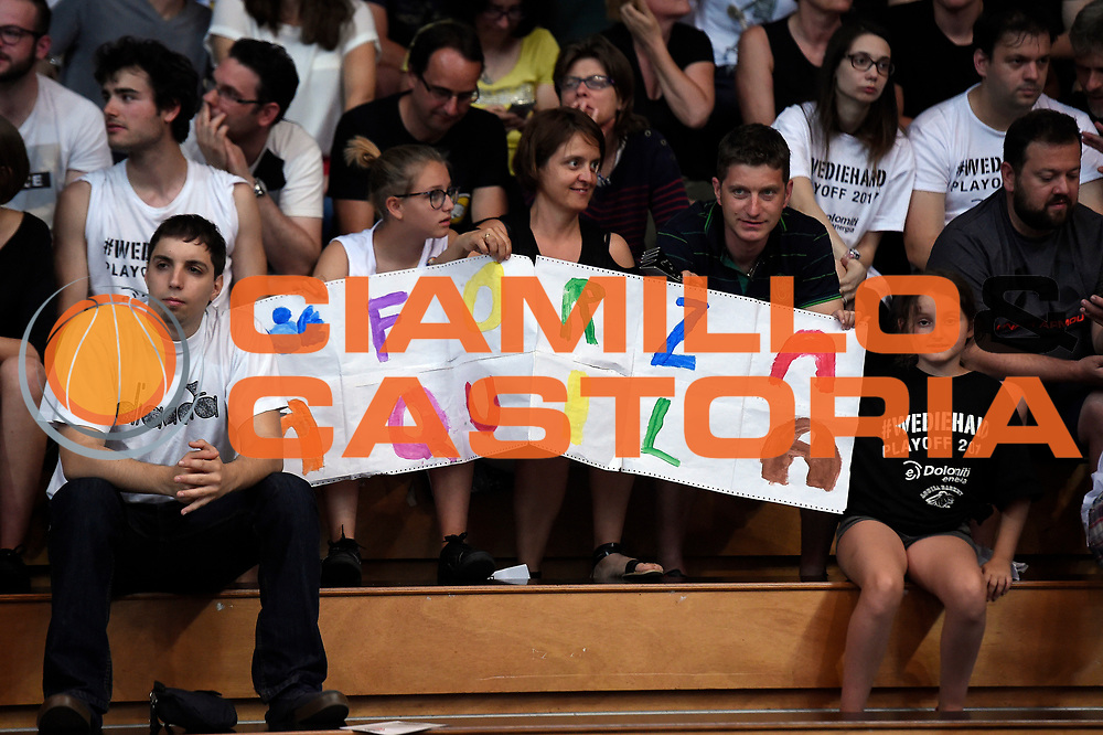 tifosi Dolomiti Energia Aquila Basket Trento<br /> Dolomiti Energia Aquila Basket Trento - Umana Reyer Venezia<br /> Lega Basket Serie A 2016/2017<br /> Playoff, finale gara 3<br /> Trento, 14/06/2017<br /> Foto M.Ceretti / Ciamillo-Castoria