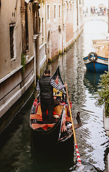 THEMENBILD - Kanalansicht mit venezianischen Häusern und Gondeln, aufgenommen am 04. Oktober 2019 in Venedig, Italien // Canal view with Venetian houses and gondolas in Venice, Italy on 2019/10/04. EXPA Pictures © 2019, PhotoCredit: EXPA/ JFK