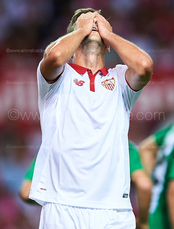 SEVILLE, SPAIN - SEPTEMBER 20:  Luciano Vietto of Sevilla FC reacts during the match between Sevilla FC vs Real Betis Balompie as part of La Liga at Estadio Ramon Sanchez Pizjuan on September 20, 2016 in Seville, Spain.  (Photo by Aitor Alcalde Colomer/Getty Images)