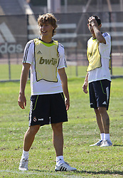 06.08.2010, los Angeles, ITA, USA, Real Madrid Training, Players attend a clinic with childre, im Bild Sergio Canales, EXPA Pictures © 2010, PhotoCredit: EXPA/ Alterphotos/ Santiago +++++ ATTENTION - OUT OF SPAIN +++++ / SPORTIDA PHOTO AGENCY