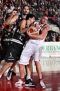DESCRIZIONE : Biella Lega A1 2007-08 Angelico Biella La Fortezza Virtus Bologna<br /> GIOCATORE : Simone Cotani<br /> SQUADRA : Angelico Biella<br /> EVENTO : Campionato Lega A1 2007-2008<br /> GARA : Angelico Biella La Fortezza Virtus Bologna<br /> DATA : 13/01/2008<br /> CATEGORIA : Rimbalzo<br /> SPORT : Pallacanestro<br /> AUTORE : Agenzia Ciamillo-Castoria/S.Ceretti<br /> Galleria : Lega Basket A1 2007-2008<br /> Fotonotizia : Biella Campionato Italiano Lega A1 2007-2008 Angelico Biella La Fortezza Virtus Bologna<br /> Predefinita :