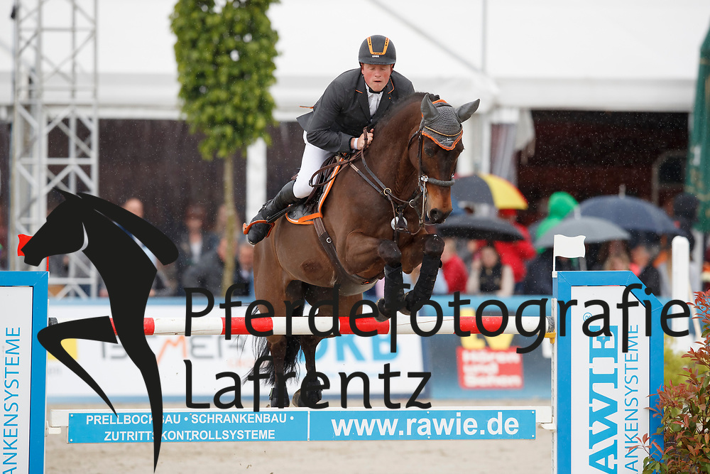 WERNKE Jan (GER), Nashville HR<br /> Hagen - Horses and Dreams meets the Royal Kingdom of Jordan 2018<br /> Finale Mittlere Tour<br /> 29. April 2018<br /> www.sportfotos-lafrentz.de/Stefan Lafrentz