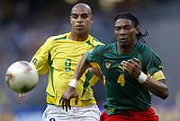 FOOTBALL - CONFEDERATIONS CUP 2003 - GROUP B - 030619 - BRASIL v KAMERUN - RIGOBERT SONG (CAM) / ADRIANO (BRA) - PHOTO GUY JEFFROY / DIGITALSPORT