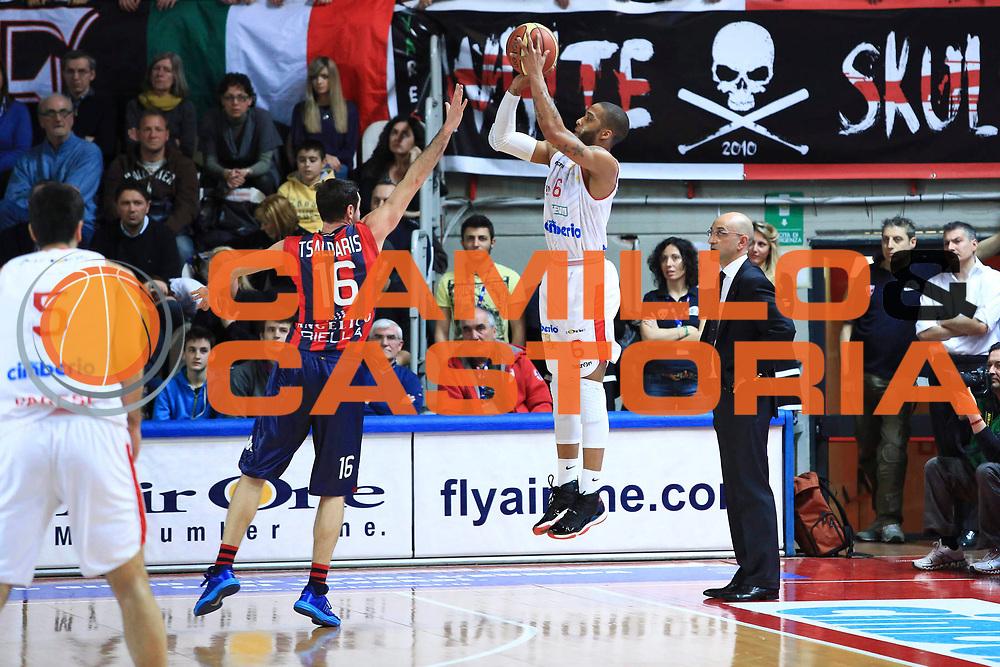 DESCRIZIONE : Varese Lega A 2012-2013 Cimberio Varese Angelico Biella<br /> GIOCATORE : Adrian Banks<br /> CATEGORIA : three points controcampo<br /> SQUADRA : Cimberio Varese<br /> EVENTO : Campionato Lega A 2012-2013 <br /> GARA : Cimberio Varese Angelico Biella<br /> DATA : 10/03/2013<br /> SPORT : Pallacanestro <br /> AUTORE : Agenzia Ciamillo-Castoria/I.Mancini<br /> Galleria : Lega Basket A 2012-2013  <br /> Fotonotizia : Varese Lega A 2012-2013 Cimberio Varese Angelico Biella<br /> Predefinita :