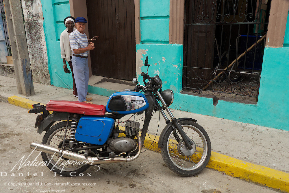 Street scene Ceinfuegos, Cuba