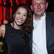 NLD/Blaricum/20131103 - Benefietveiling St. Free a Girl red Sun, Wimmy hu met de nieuwe eigenaar Hans van der Wurff