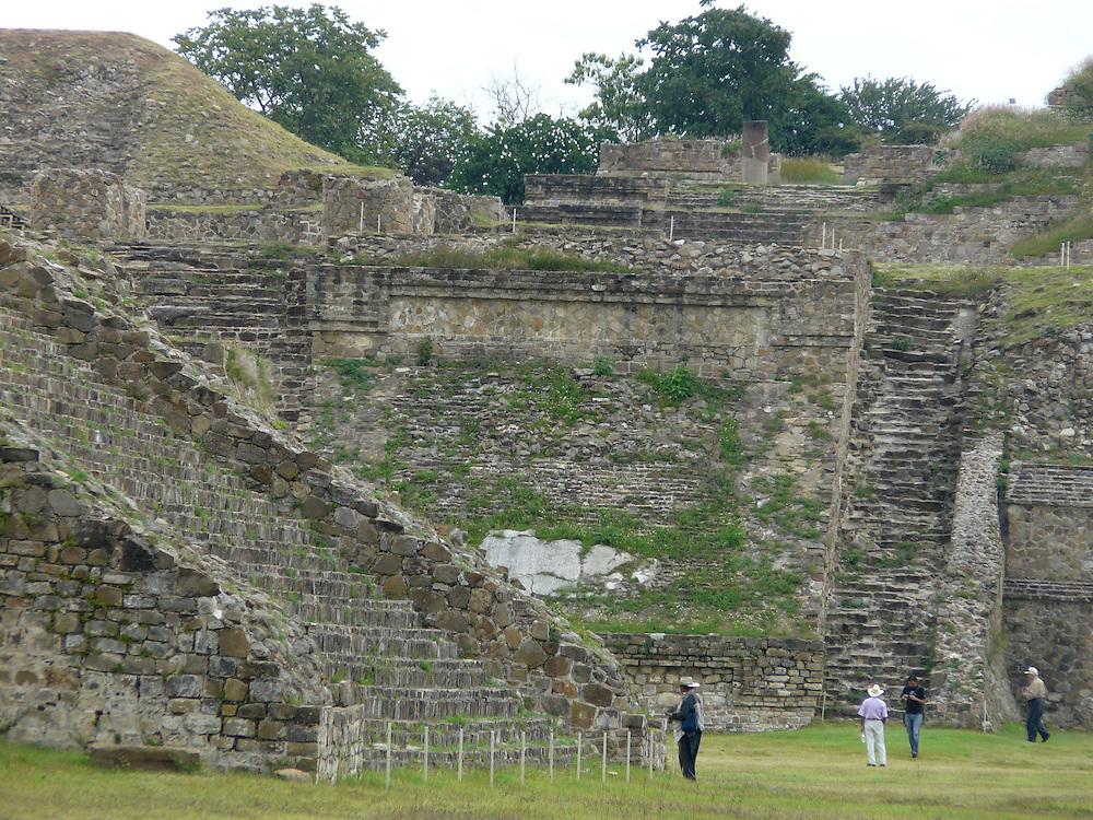 EN&gt; Pyramids of Monte Alban, Oaxaca, Mexico | <br /> SP&gt; Pir&aacute;mides de Monte Alb&aacute;n, Oaxaca, M&eacute;xico