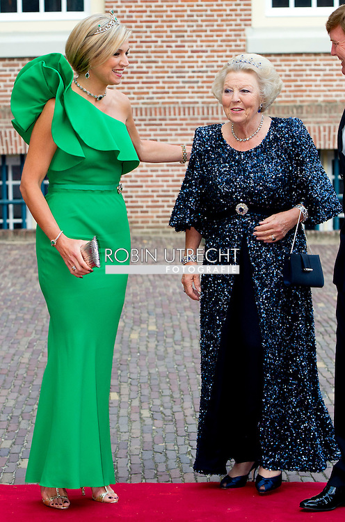 3-6-2014 - APELDOORN  -  Prince Albert II of Monaco at the loo with King Willem Alexander ,queen Maxima and princess Beatrix  for the opening of the exhibition of Grace Kelly in the loo. Prince Albert II of Monaco in the Netherlands for a two-day visit. COPYRIGHT ROBIN UTRECHT