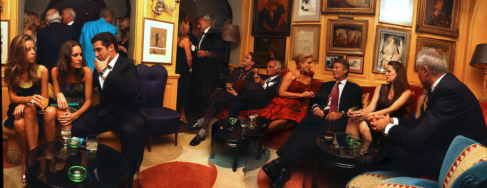 Lydia Forte, Louise Roe and Luca del Bono, Taki  Theodorakopoulos. John Stefanides, Richard Johnson, Chuck Pfeiffer. Party given by Taki and Alexandra Theodorakopoulos. Annabels. London. 26 September 2006. -DO NOT ARCHIVE-© Copyright Photograph by Dafydd Jones 66 Stockwell Park Rd. London SW9 0DA Tel 020 7733 0108 www.dafjones.com
