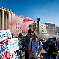 Protesta contro il rettore uscente Luigi Frati e il nuovo rettore Eugenio Gaudio
