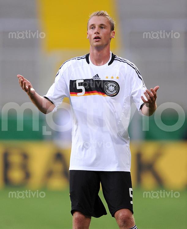 Fussball Nationalmannschaft :  Saison   2009/2010   04.09.2009 Fußball U21 : Deutschland - San Marino , GER - SM ,  Felix Bastians (GER)