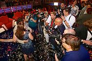 HILVERSUM - In Studio24 is de Finale van Bloed, Zweet en Tranen. Met op de foto alle pers die Jason en Samantha Bouman willen fotograferen. FOTO LEVIN DEN BOER - PERSFOTO.NU