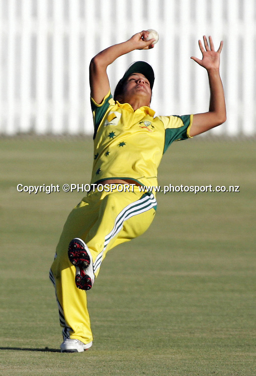 Australia's Lisa Sthalekar makes a catch to take the wicket of Sarah Burke during the fourth ODI Rose Bowl cricket match between the White Ferns and Australia at Allan Border Field, Brisbane, Australia, on Thursday 26 October 2006. Australia won the match by 85 runs with a total of 252. Photo: Renee McKay/PHOTOSPORT<br />