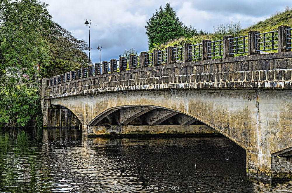 The bridge over the rover Erne in Belleek, county Fermanagh, Northern Ireland.  This was taken from the gardens in front of the Belleek factory.