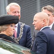 NLD/Tilburg/20170916 - Beatrix bij opening jubileum expositie 25 jaar museum De Pont, ontvangst