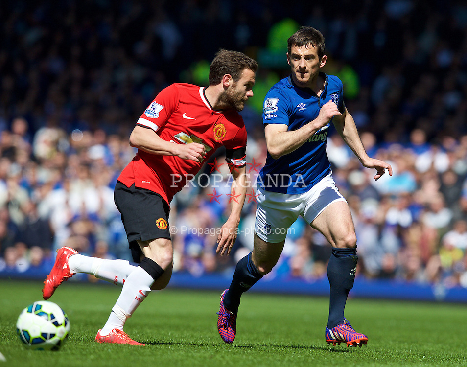 LIVERPOOL, ENGLAND - Sunday, April 26, 2015: Everton's Leighton Baines in action against Manchester United during the Premier League match at Goodison Park. (Pic by David Rawcliffe/Propaganda)