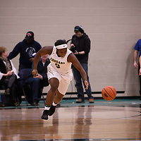 2nd year guard Kyanna Giles (9) of the Regina Cougars in action during the home opener on November  10 at Centre for Kinesiology, Health and Sport. Credit: Arthur Ward/Arthur Images